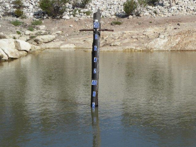 Depth gauge in the dam.